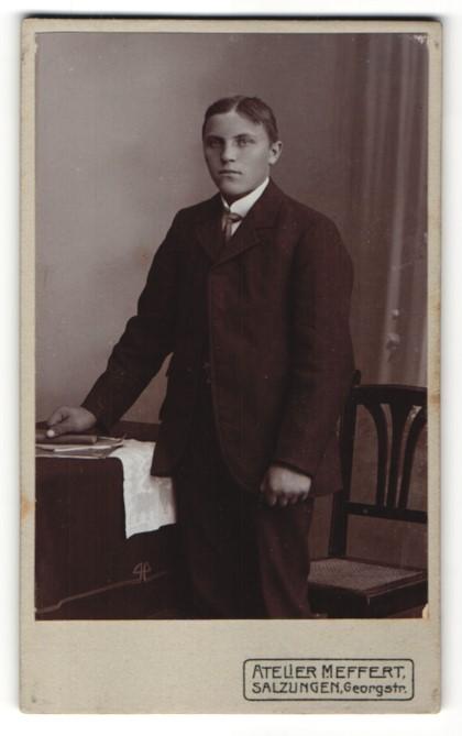 Fotografie Atelier Meffert, Salzungen, Portrait junger Mann in Anzug