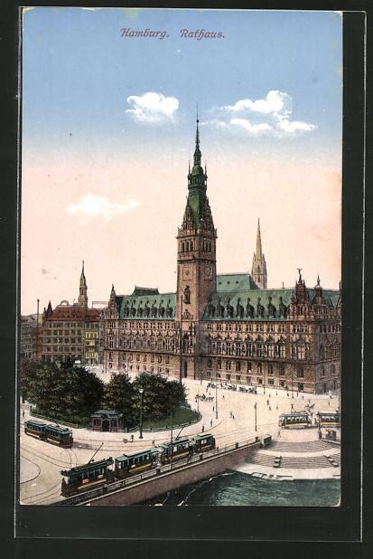 AK Hamburg, Strassenbahnen vor dem Rathaus