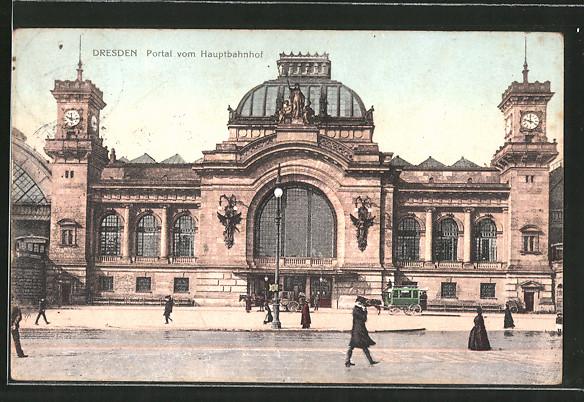 AK Dresden, Portal vom Hauptbahnhof, Pferdekutsche