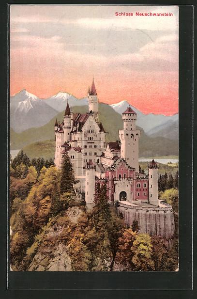 AK Schloss Neuschwanstein, Burgausblick mit Alpenpanorama