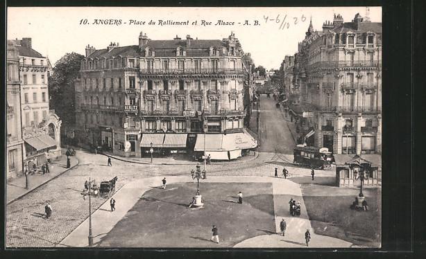 AK Angers, Place du Ralliement et Rue Alsace, Strassenbahn