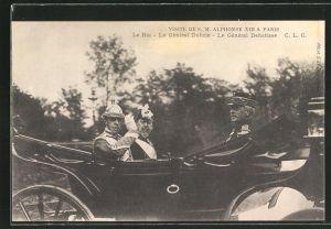 AK Paris, König Alfonso XIII. von Spanien während einer Kutschfahrt mit General Dubois und General Debatisse