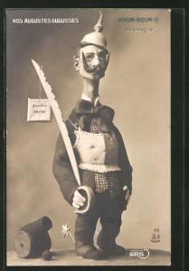 AK Nos Augustes Gugusses, Boum-Boum II., Karikatur von Kaiser Wilhelm II. mit langem Hals und Schwert