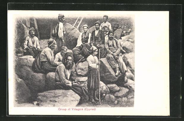 AK Zypern / Cyprus, Group of Villagers