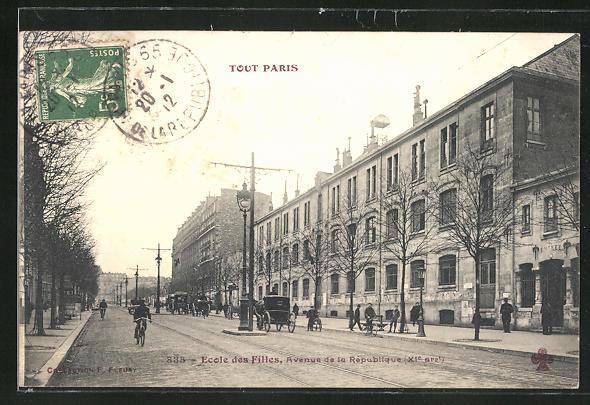 AK Paris, Ecole des Filles, Avenue de la Republique