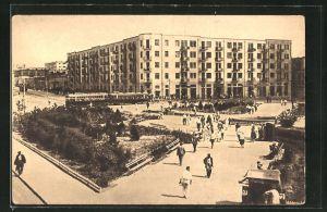 AK Bakou, Les nouveaux quartiers, Strassenbahn vor einem Wohnhaus