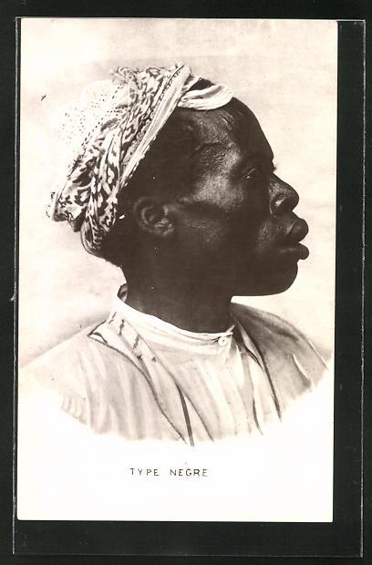 AK Afrikanischer Mann mit traditioneller Kopfbedeckung, afrikanische Volkstypen