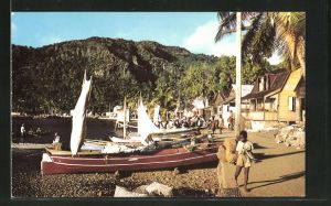 AK St. Lucis, Dugout fishing canoes on the Caribbean beach at Soufriere, south-west coast of St. Lucia
