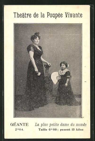 AK Theatre de la Poupée Vivante, Geante, La plus petite dame du monde