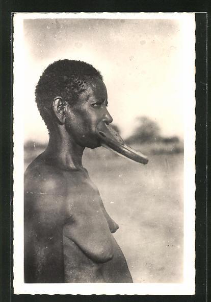 AK afrikanische nackte Frau mit Tellerlippe