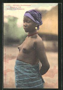 AK Afrique Occidentale Etude n° 104, Jeune Fill Soussou, afrikanische nackte Frau