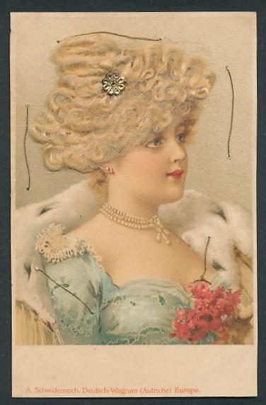 Echt-Haar-AK Schöne junge Frau mit gelocktem blondem Haar