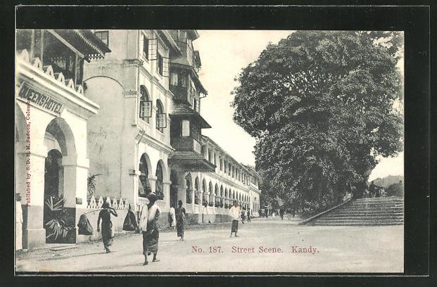 AK Kandy, Street Scene