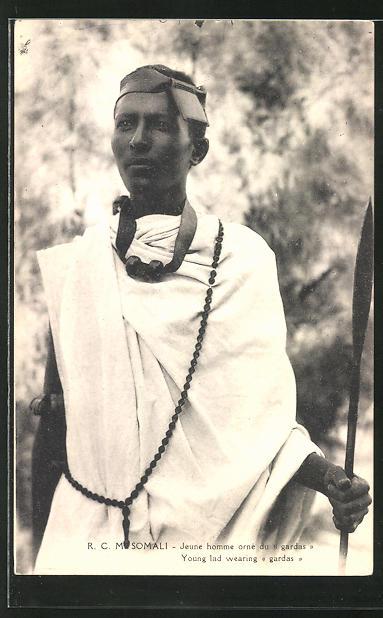 AK Somalia, Jeune homme orné du