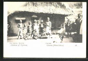 AK Veytown, Kinder an einer Strohhütte