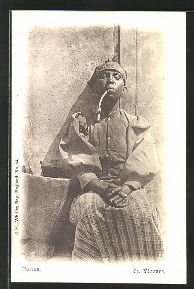 AK St. Vincent, Native, Einheimischer raucht seine Pfeife