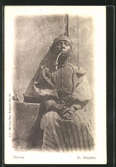 AK St. Vincent, Einheimischer raucht seine Pfeife