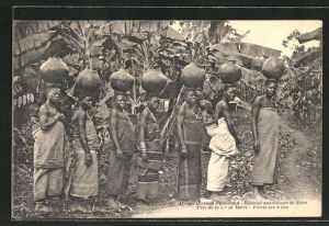 AK Nyasaland, Vicariat apostolique du Shire, Pere de la Cie de Marie, Porteues d'eau