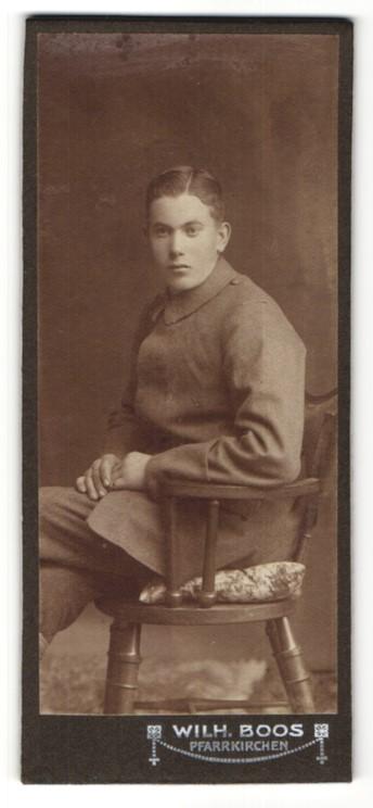 Fotografie Wilh. Boos, Pfarrkirchen, Portrait junger Soldat in Feldgrau