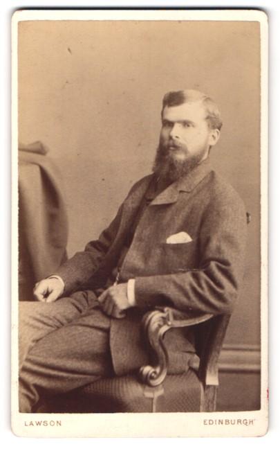 Fotografie Lawson, Edinburgh, Portrait junger Mann mit Vollbart