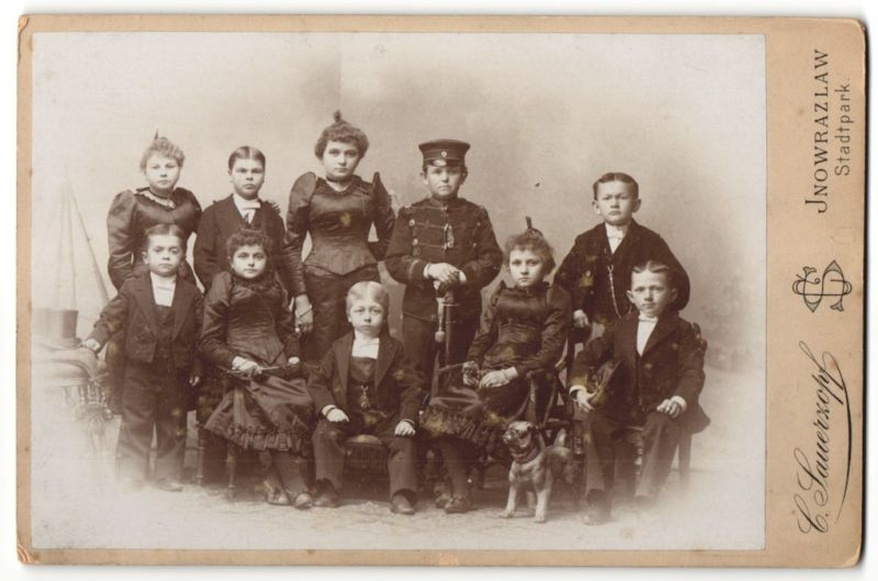 Fotografie Atelier Sauerzopf, Inowrazlaw / Inowroclaw, Liliputaner - Kleinwüchsige im feinen Zwirn & Uniform-Husar