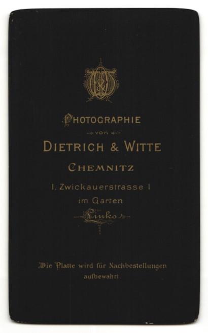Fotografie Dietrich & Witte, Chemnitz, Junger Mann im Anzug mit Mittelscheitel 1