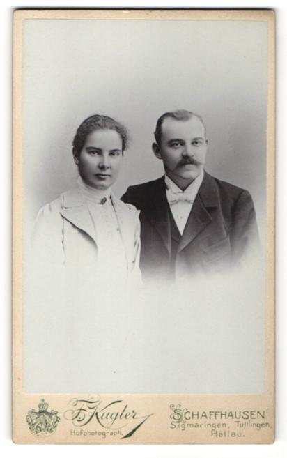 Fotografie F. Kugler, Schaffhausen, Portrait junges bürgerliches Paar