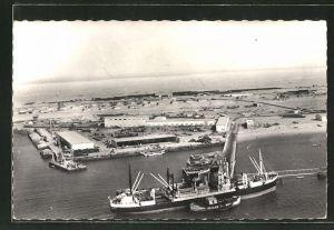 AK Port Etienne, Le Port