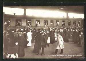 AK Lausanne, Passage des Evacués Francais, Flüchtlinge aus Frankreich am Bahnhof
