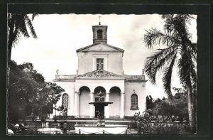 AK Saint-Denis, L'Eglise, An der Kirche