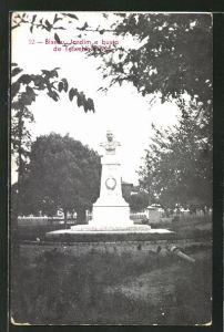 AK Bissau, Jardim e busto de Teixeha Pinto