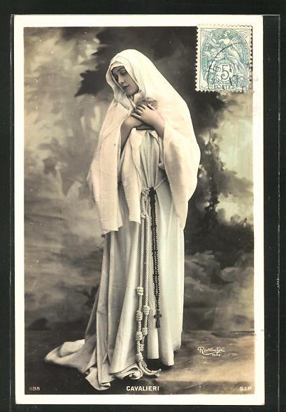 Foto-AK Atelier Reutlinger, Paris: Opernsängerin Cavalieri als Nonne