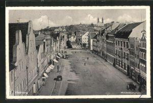 AK Vilsbiburg, Strassenpartie am Hindenburgplatz mit Wohnhäusern und Passanten