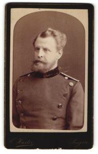 Fotografie C. Huster, Siegen, Portrait Mann in Dienstkleidung, Uniform