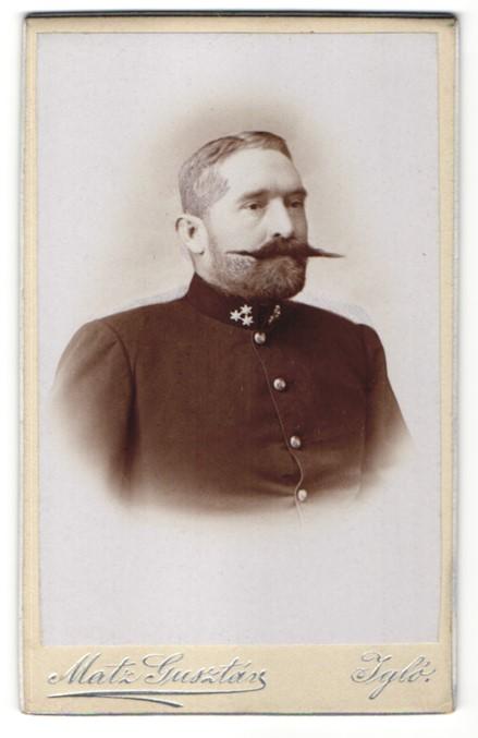 Fotografie Gusztáv Matz, Igló, Portrait Soldat mit imposantem Schnauzbart