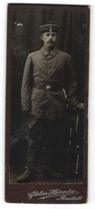 Fotografie Atelier Heinecke, Rastatt, Portrait Soldat in Feldgrau