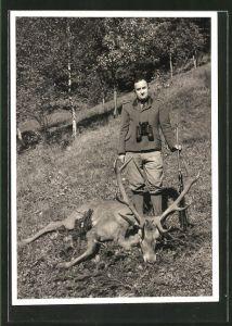 Foto-AK Jäger mit erlegtem Hirsch