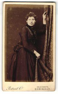 Fotografie Portrait Co., Birmingham, Portrait Dame in Kleid