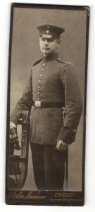 Fotografie Atelier Neumann, Zwickau i/S, Portrait Soldat in Uniform