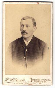 Fotografie H. Wittrock, Hamburg-St. Pauli, Portrait junger Herr mit Oberlippenbart