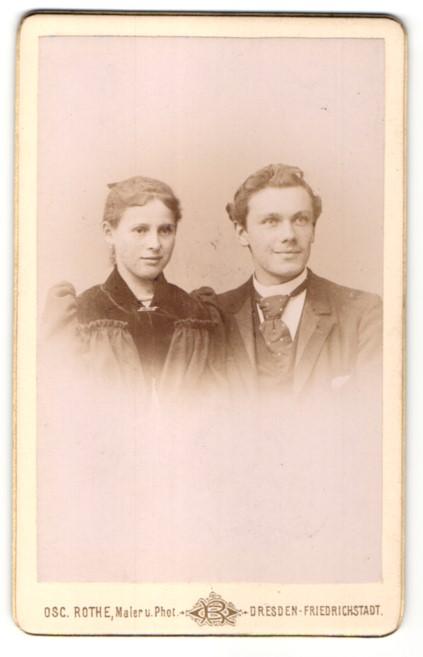 Fotografie Osc. Rothe, Dresden-Friedrichstadt, Portrait junges bürgerliches Paar