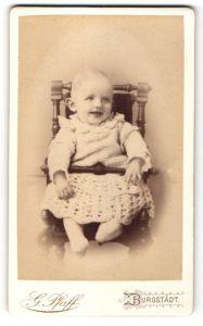 Fotografie G. Pfaff, Burgstädt, Portrait Säugling in Kindersitz