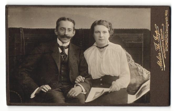 Fotografie Atelier Th. Joop, Bromberg, Portrait junges gutbürgerliches Paar