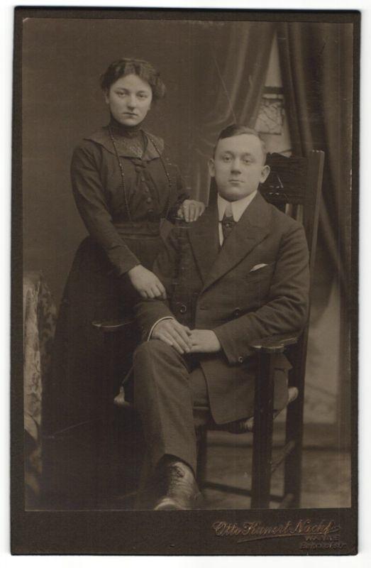 Fotografie Otto Kunter Nachf., Wanne, Portrait junges bürgerliches Paar