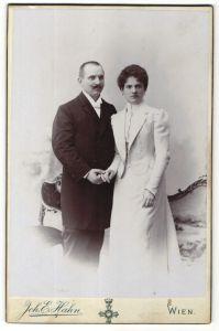 Fotografie Joh. E. Hahn, Wien, Portrait gutbürgerliches Paar