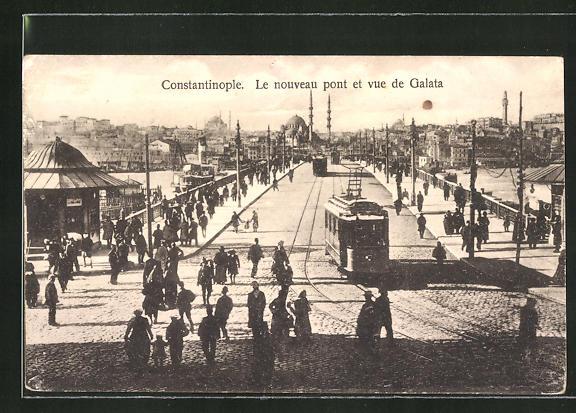 AK Constantinople, Le nouveau pont et vue de Galata mit Strassenbahn