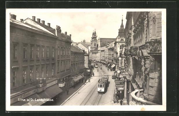 AK Linz a. Donau, Landstrasse mit Strassenbahn