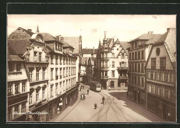 AK Giessen, Strasse am Marktplatz, Strassenbahn