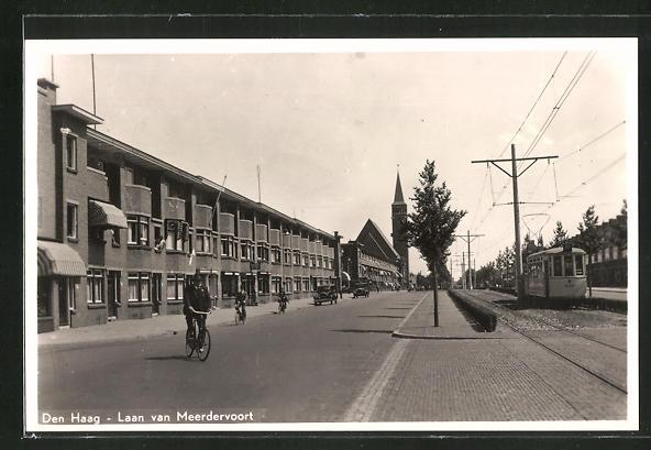 AK Den Haag, Laan van Meerdervoort-Strasse mit Strassenbahn