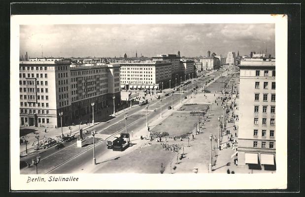 AK Berlin, Stalinallee aus der Vogelschau